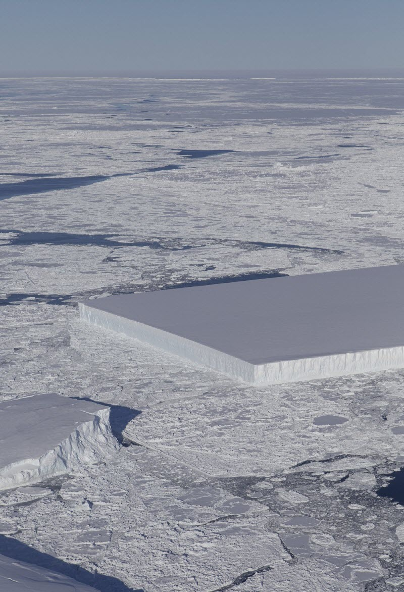 rectangular-iceberg-4