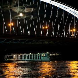 Apollo bridge in Bratislava by Miro Trimay - Buildings & Architecture Bridges & Suspended Structures ( in night, apollo bridge, river in night, bratislava, night, bridge, danube, river )