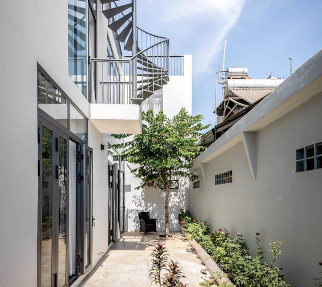 Nhà đẹp tại Đồng Nai thiết kế hình chữ T với 3 khoảng sân