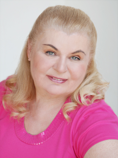 Inge Jaklyn Net Worth, Income, Salary, Earnings, Biography, How much money make?