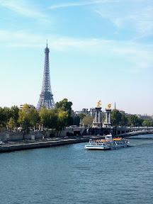 Pont de la Concorde and the Eiffel Tower