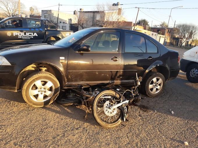 Un motociclista grave tras un accidente de tránsito  en Soldado Aguirre y Monte Caseros