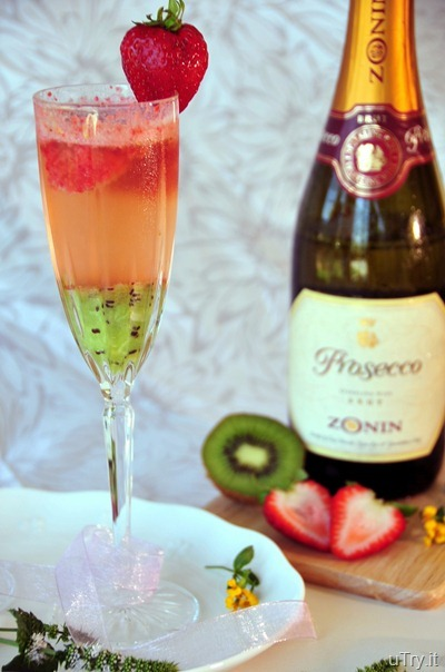 Kiwi-Strawberry Bellini