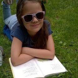 Leespret in open lucht