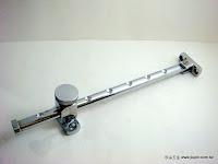 裝潢五金品名:3030-銅電白撐桿材質:銅製品承重:功能:可用於窗戶打開時防止風大撐住窗戶回彈玖品五金