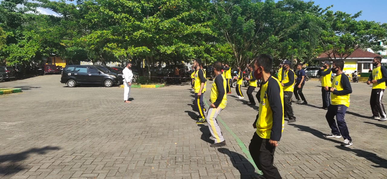 Satuan Binmas Polres Soppeng Laksanakan Kegiatan Pelatihan Peningkatan Kemampuan Satpam Dalam Beladiri dan Pertahanan