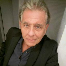 user Joe Arango apkdeer profile image