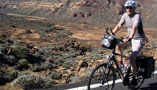 Chris on the Bike im Teide-Krater, Teneriffa