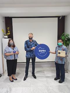 NIVEA Hadirkan Kemasan Khusus NIVEA Creme Tin Untuk Tenaga Medis