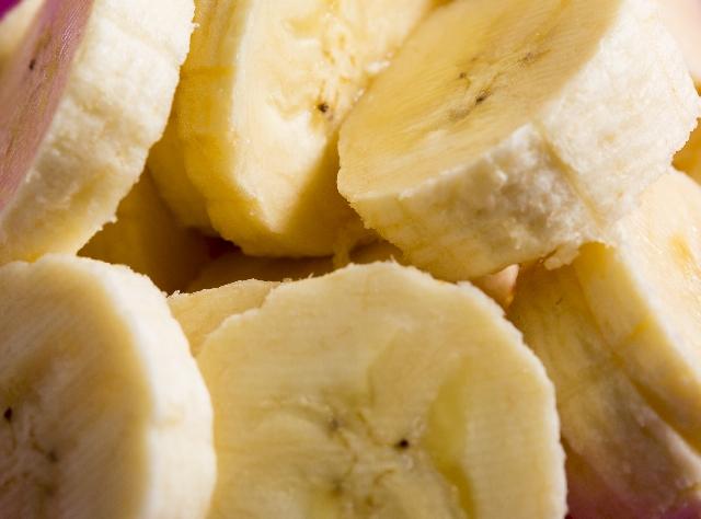バナナと糖度の関係について考えるとはどういうことかというとバナナに限らずみかんもメロンも甘さはショ糖含量を見る
