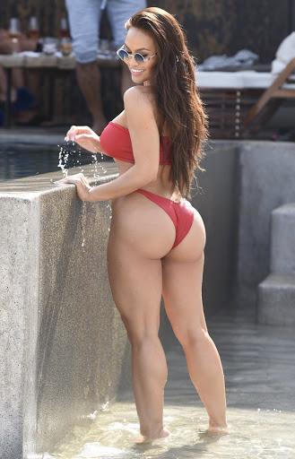 Anya taylor-joy bikini