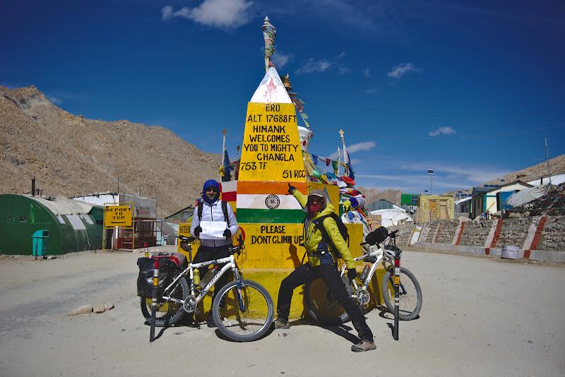 De aici urmeaza o noua coborare de 2000 de metri pana in valea Indusului.