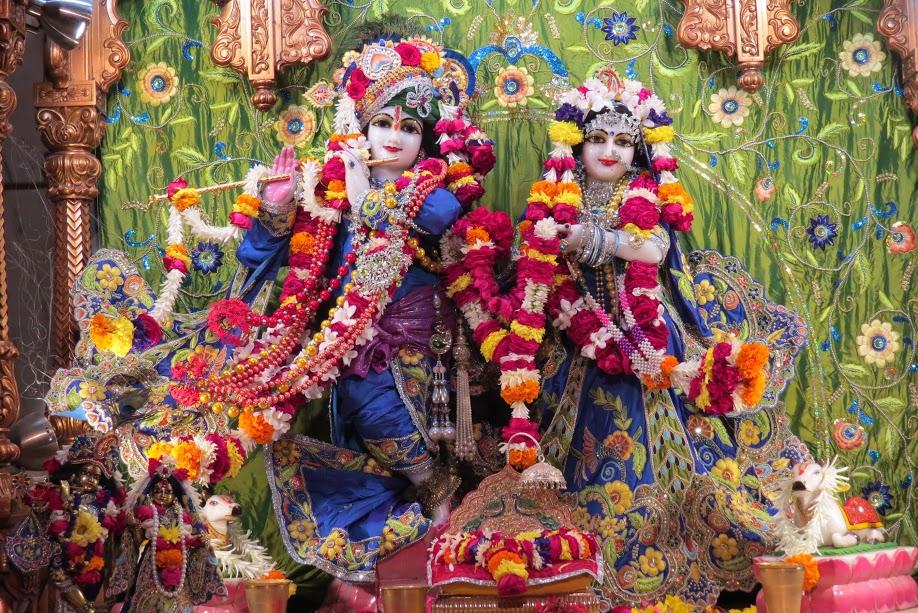 ISKCON Vallabh vidhyanagar Deity Darshan 10 jan 2017 (1)
