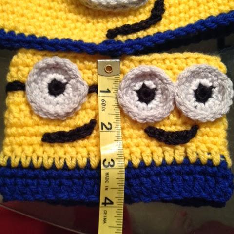 Free Crochet Pattern Minion Mitts : Bizzy Crochet: Birthday presents