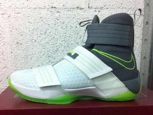 buy online 6b109 1b3ae Original Dunkman Theme Returns for the LeBron Soldier 10 ...