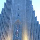 matt in front of the Hallgrímskirkja in Reykjavik, Hofuoborgarsvaeoi, Iceland