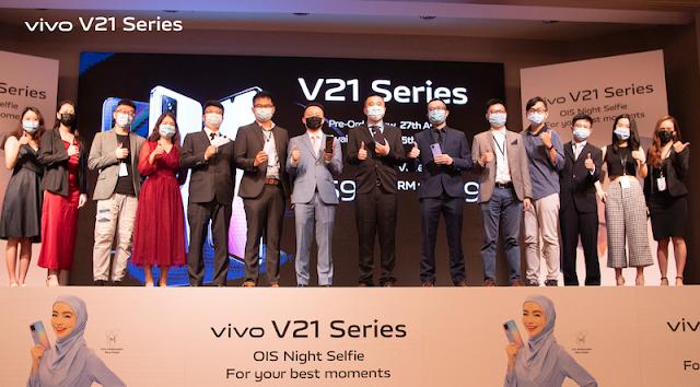 vivo V21, V 21e  SPORTS BREAKTHROUGH IN NIGHT PHOTOGRAPHY