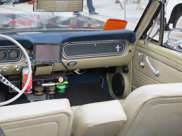 フォードマスタングコンバーチブルの室内