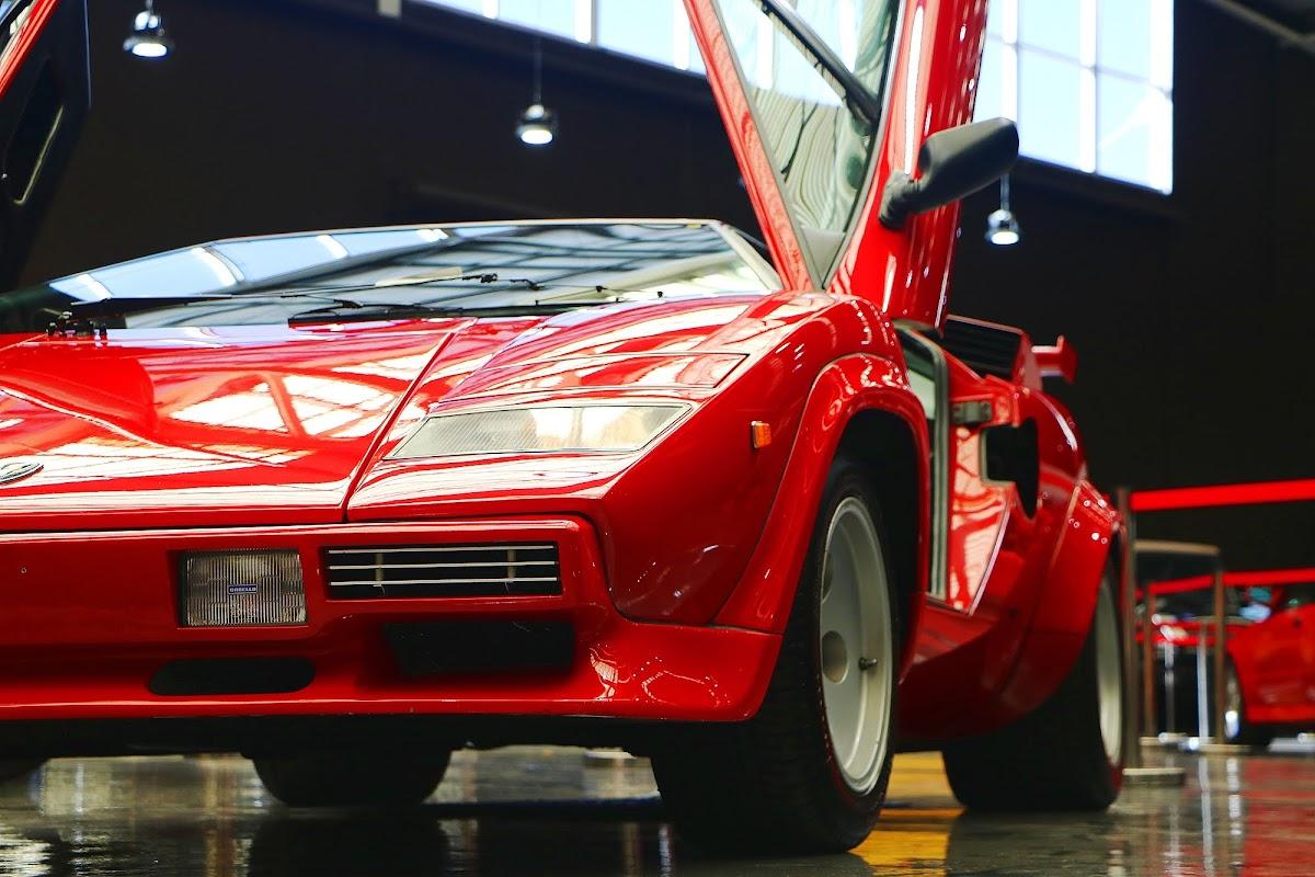 Lamborghini Countach (07).jpg