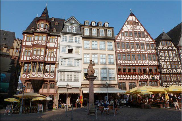 Edificios reconstruidos en la plaza Römerberg