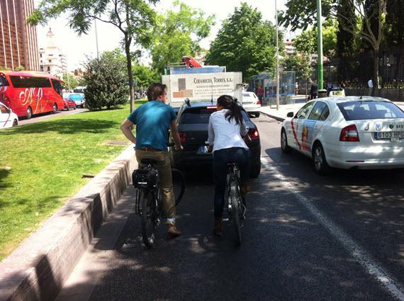 Begoña Villacís, candidata de Ciudadanos a la alcaldía, se sube a la bici con nosotros