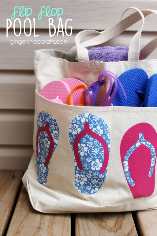 600 Flip Flop Pool Bag at GingerSnapCrafts.com #happycrafters #vinyl