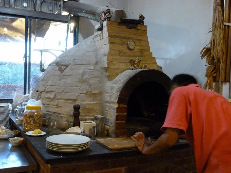 San jih. Un sandwich d un '' convenient store'' n est pas plus mauvais que leur carton dénommé Pizza