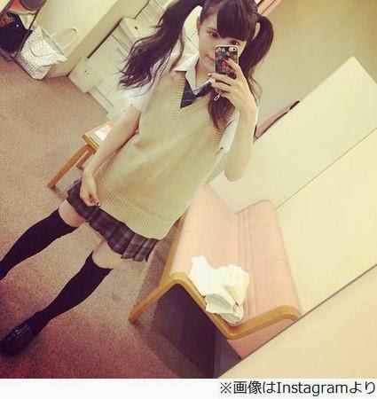 日本28歲辣媽益若翼逆生長,甩雙馬尾套制服完全不違和