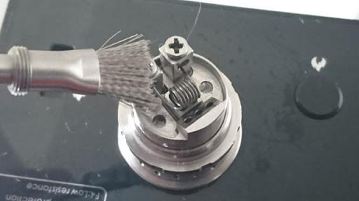 DSC 2472 thumb%25255B2%25255D - 【小物/ビルド】「Coilmaster Vape Brush(コイルマスター ブラシ付きコイルジグ)」レビュー。ドライバーン時のガンク除去+コイルジグの便利優れものビルド小道具!