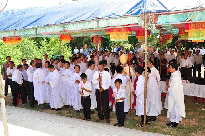 Hình ảnh lễ bổ nhiệm phó xứ Phù Cát, đặc trách các giáo họ biệt lập
