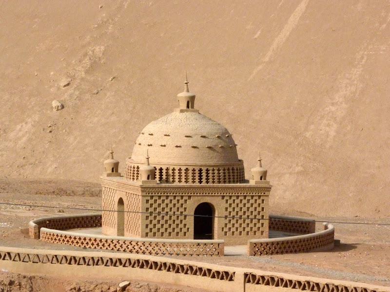 XINJIANG.  Turpan. Ancient city of Jiaohe, Flaming Mountains, Karez, Bezelik Thousand Budda caves - P1270978.JPG