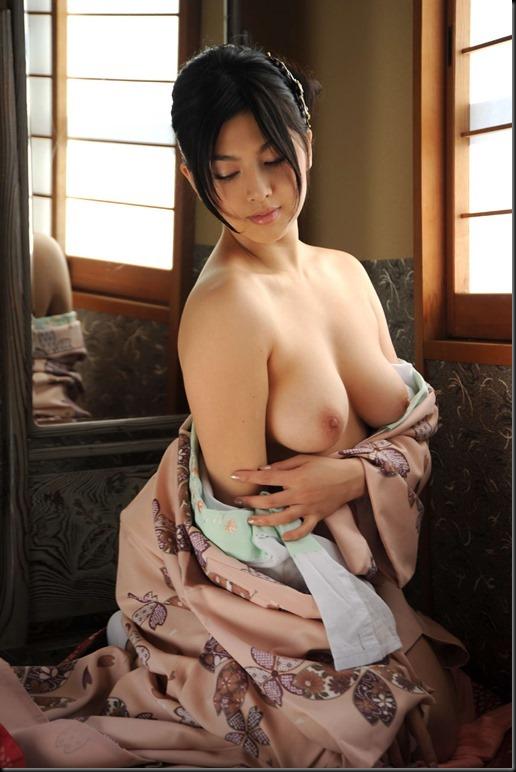 Saori Hara in Kimono_246748-0052