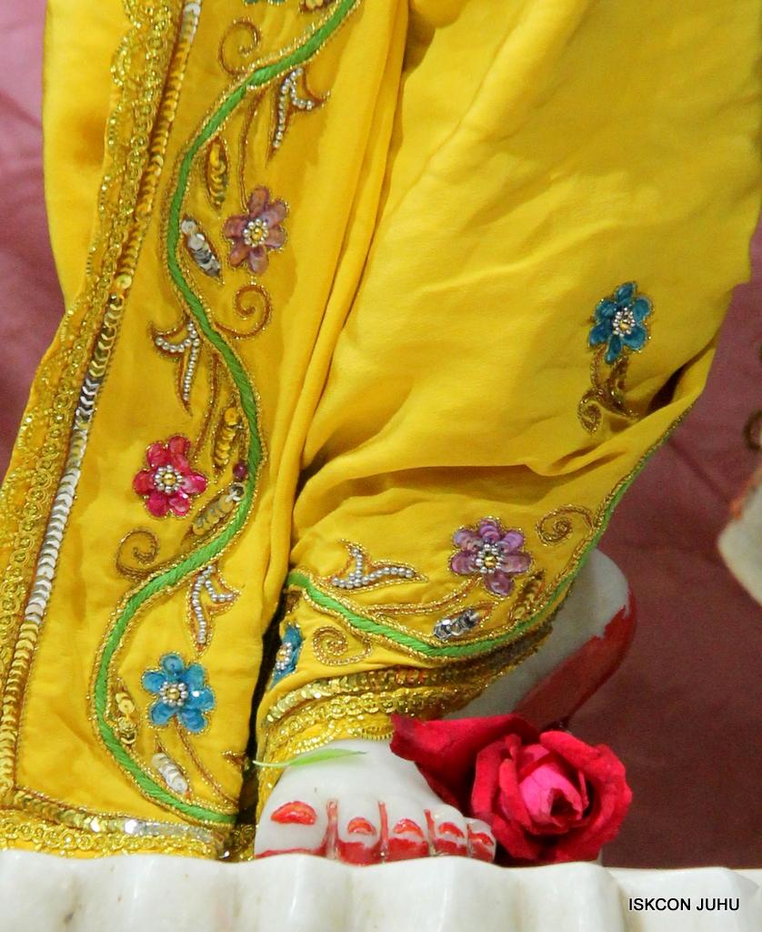 ISKCON Juhu Mangal Deity Darshan on 18th Jan 2017 (33)