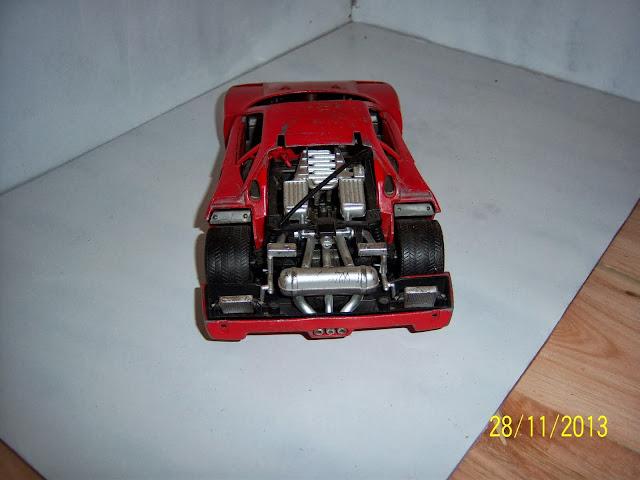 Ferrari F40 diecast 100_2909