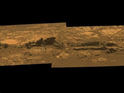 這是機遇號在2012年8月23日拍攝的柯克伍德岩石露頭彩色照片