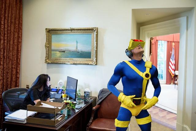 Bộ đồ siêu nhân bó sát này có vẻ hợp với ông Obama