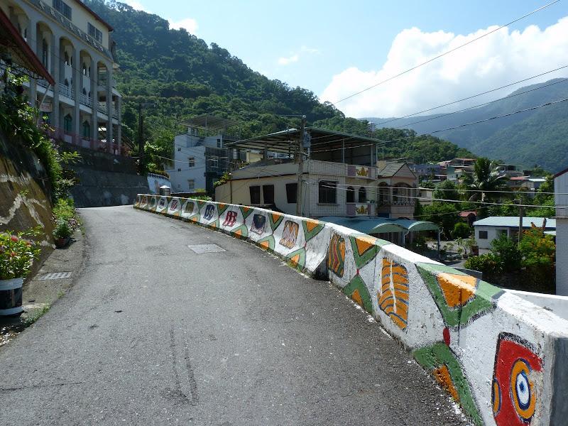 Tainan County.De Dona village à Meinong via Sandimen en scooter.J 12 - P1220531.JPG