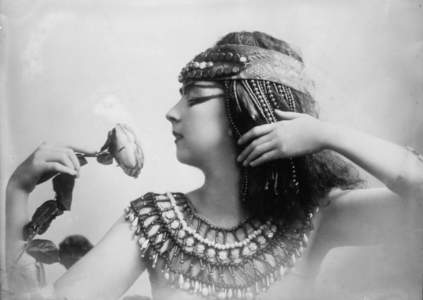 Ruthstdenis, Egyptian Magic