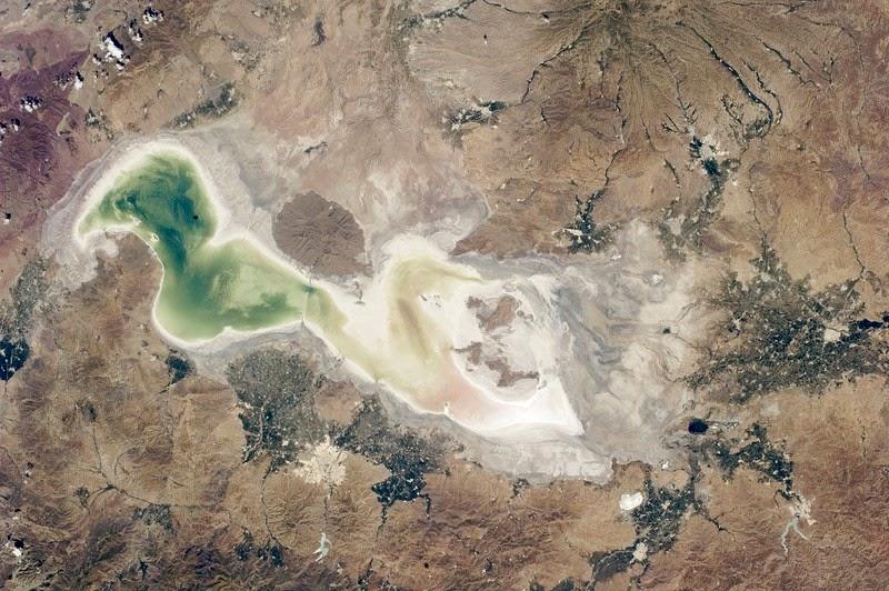 lake-urmia-1