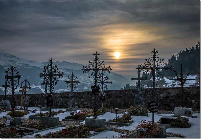 L'interprétation des rêves sur le cimetière en Islam.