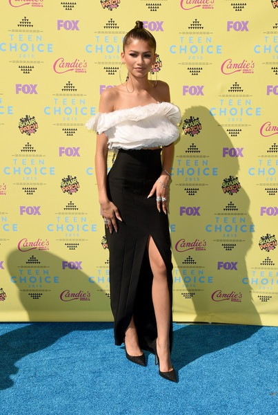 Zendaya attends the Teen Choice Awards 2015