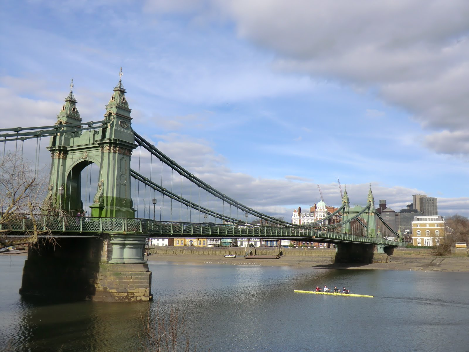 CIMG2806 Hammersmith Bridge from the south bank