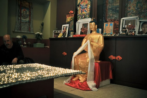 Aryadeva Study Group in St. Petersbrug, Russia offered 1,000 lights to Maitreya, June 2012.