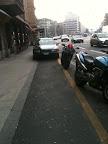 Contre-jour sans point de fuite du parking cyclable du Pont d'Arve. par Eddy Marx