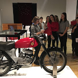 2018-10-25 Els alumnes de 2MIP visitem l'exposició dle producte al Museu del Disseny
