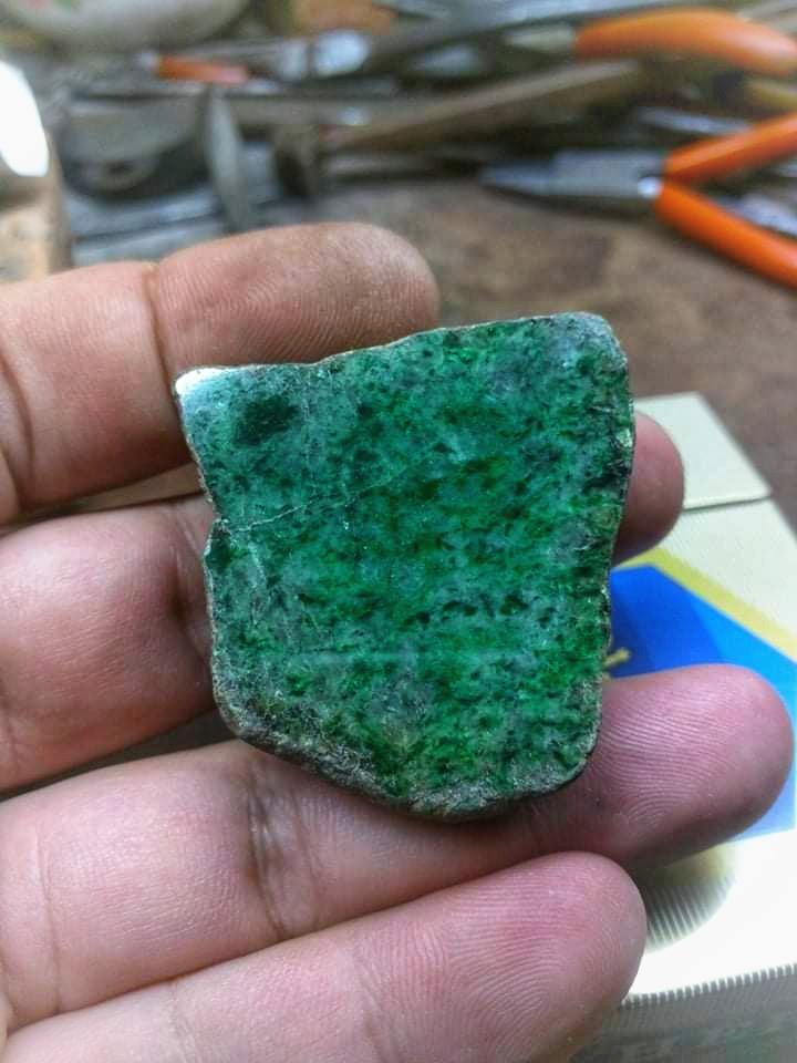 Đá Cẩm thạch thiên nhiên chuẩn A, Natural Jadeite Jade A chất ngọc ( 8/4/20, 02 )