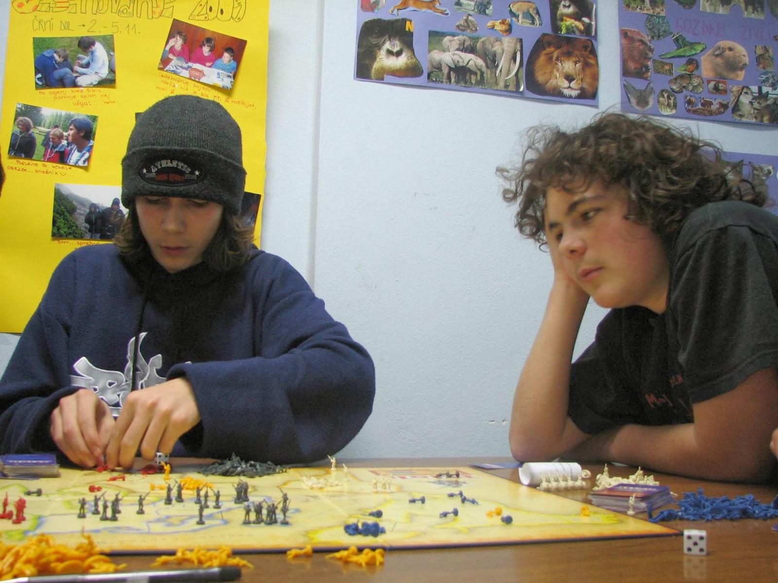 Večer družabnih iger, Ilirska Bistrica 2006 - vecer%2Bdruzabnih%2Biger%2B06%2B018.jpg