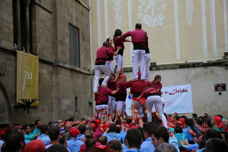 Actuació 20è Aniversari Castellers de Lleida Paeria 11-04-15 - IMG_8996.jpg