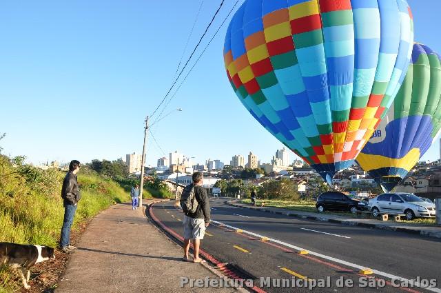 Os balões durante essa semana vão dar um colorido a cidade de São Carlos encantando crianças e adultos