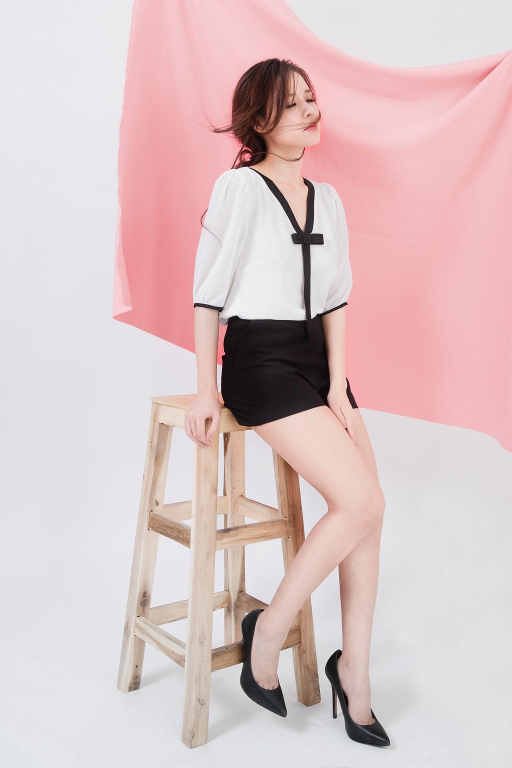 Người mẫu Midu quảng cáo váy hè